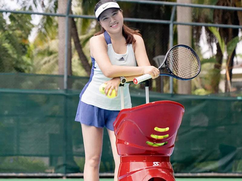 tennis-ball-machine seller